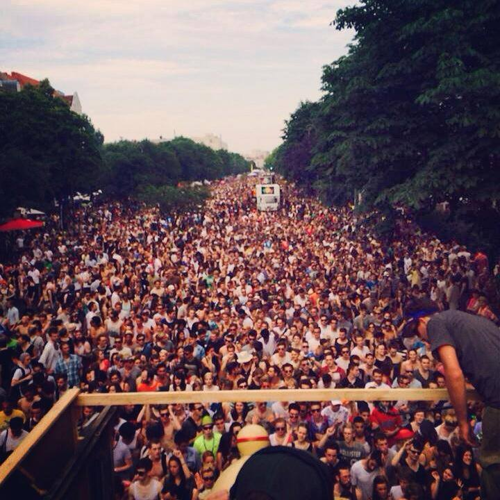 Giorno 878: Karneval der Kulturen